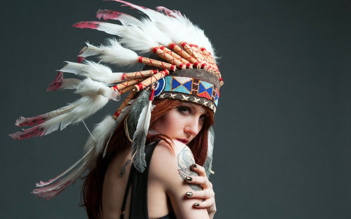 Native women head dresses Turks girl wallpaper