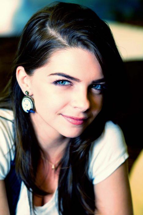 Pelin Karahan Turkey Turkish women Turkish actress beautiful girl wallpaper