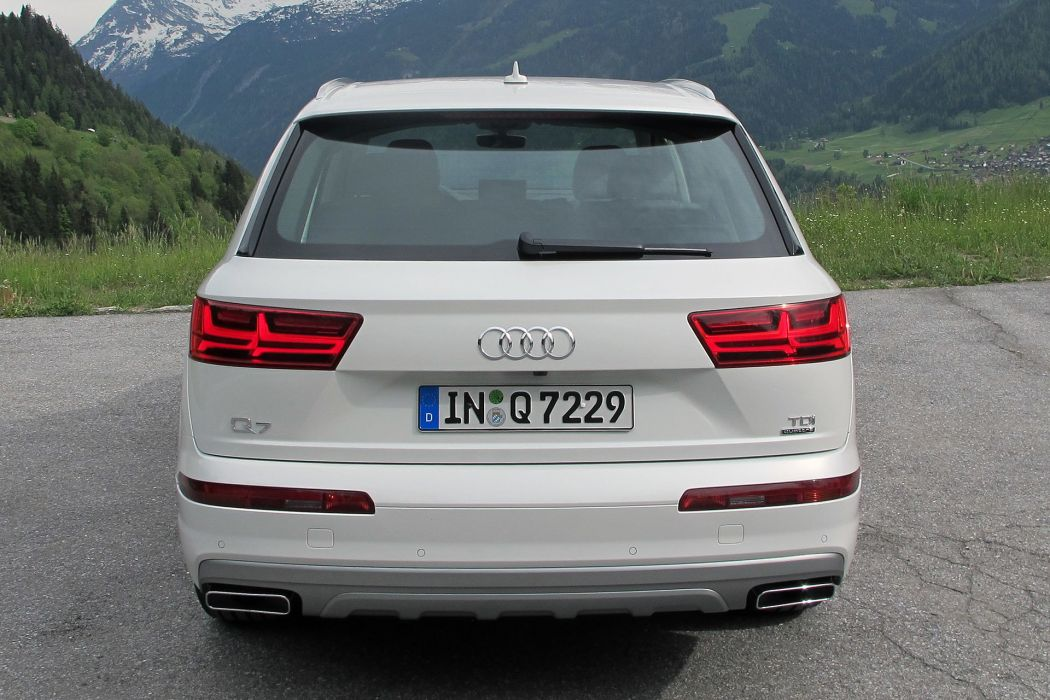 2017 Audi-Q7 cars suv white wallpaper