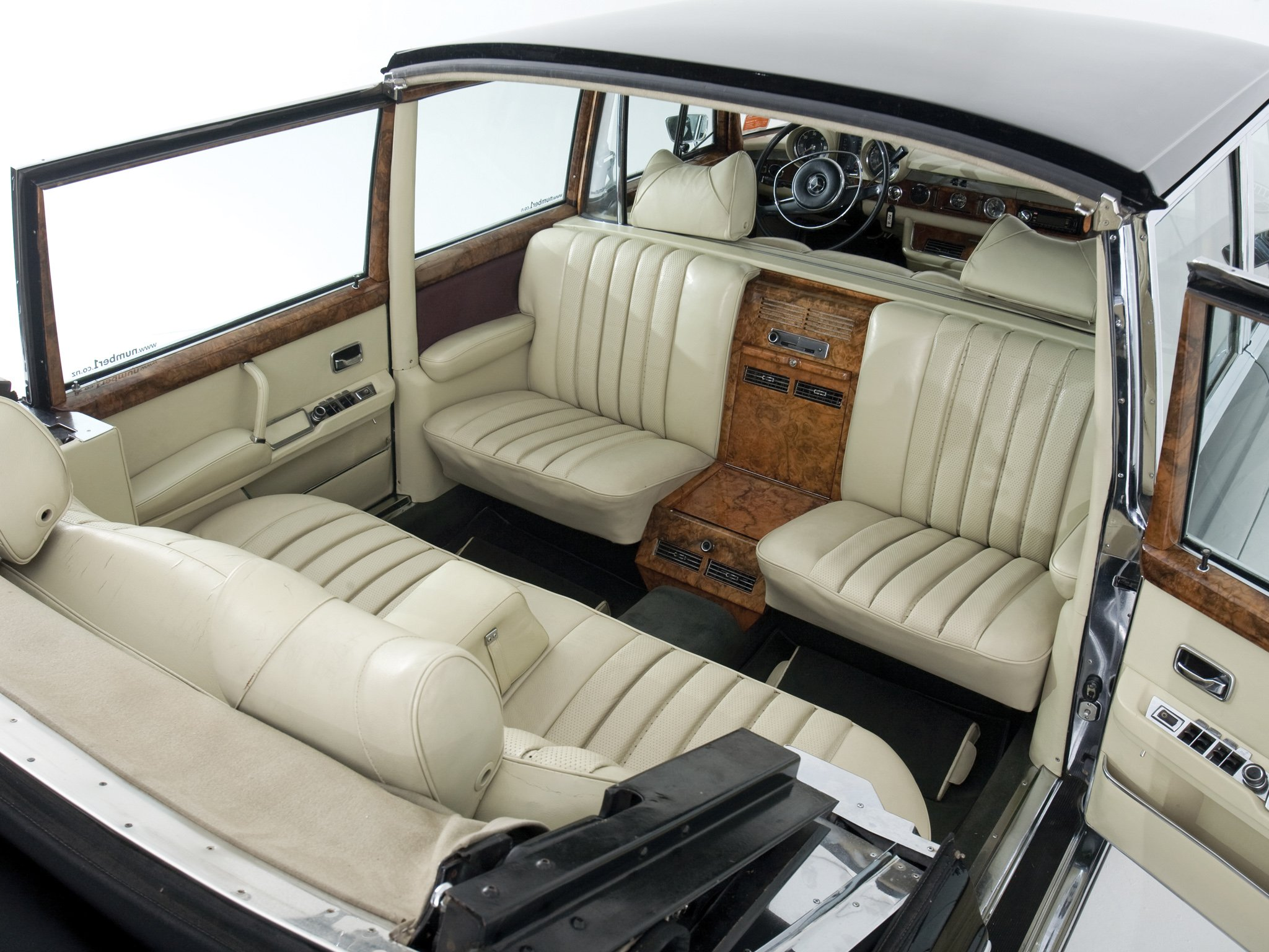 mercedes benz 600 pullman landaulet black classic cars 1965 wallpaper 2048x1536 700500. Black Bedroom Furniture Sets. Home Design Ideas