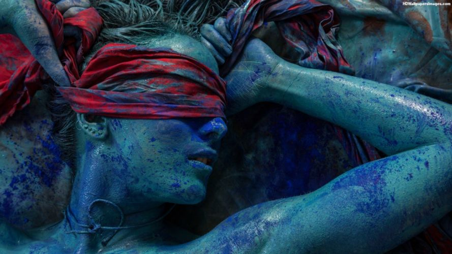 ARTS - women girls blindfolded blue ink wallpaper