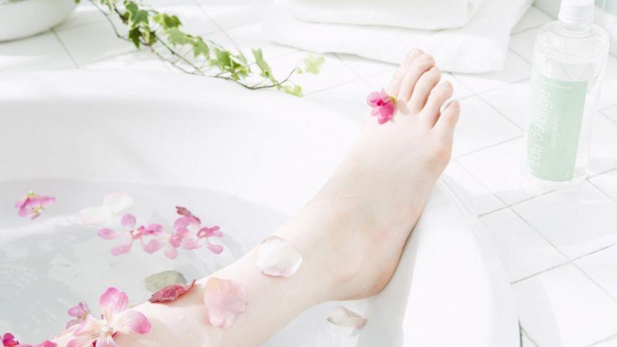 feet foot women girls bath aromatherapy petals wallpaper