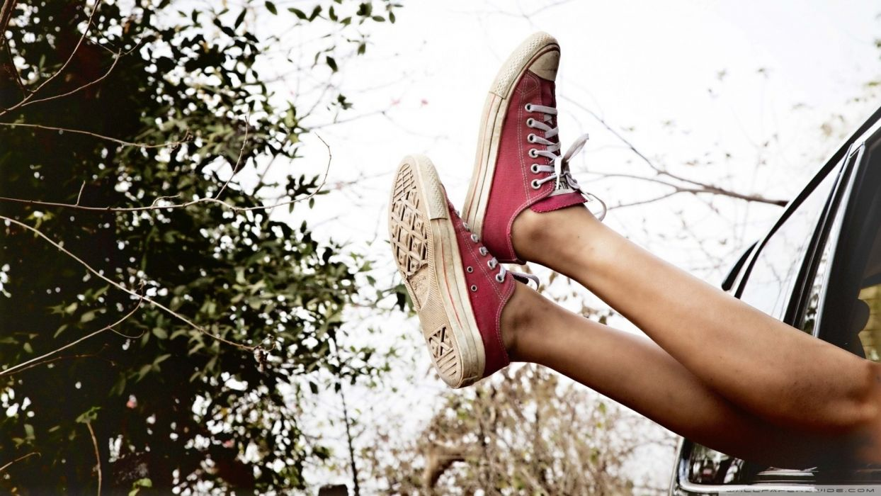 feet womans girl legs shoes car window wallpaper