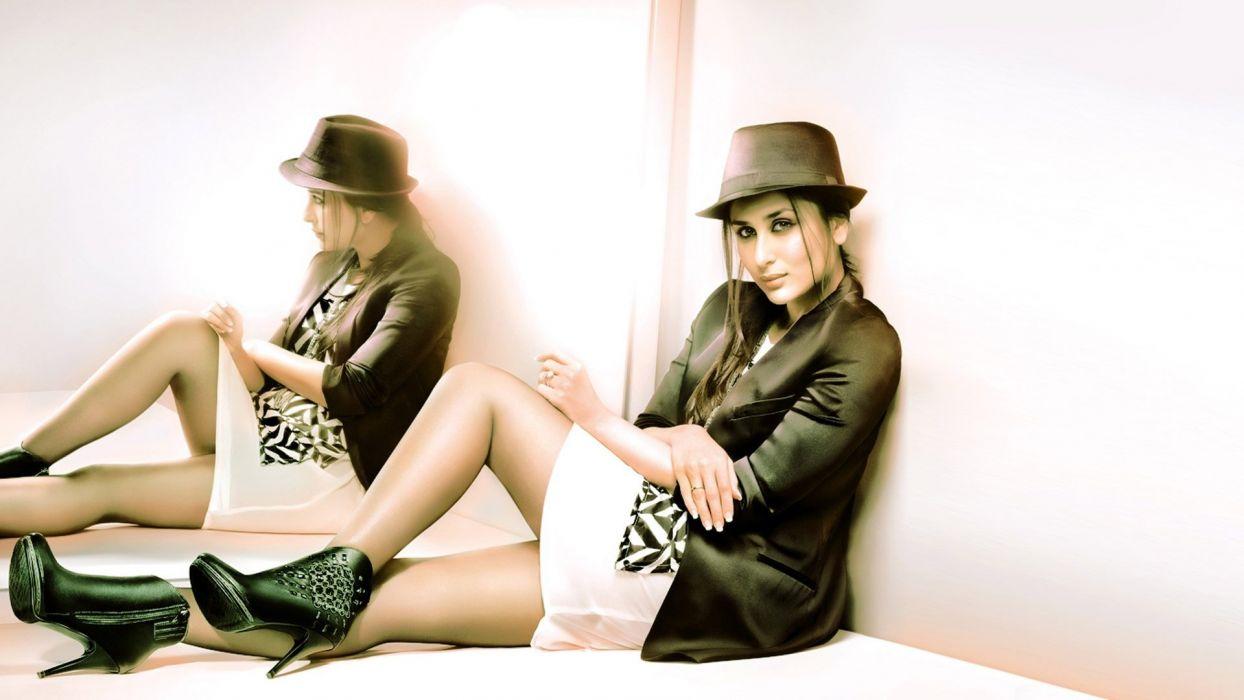 kareena Kapoor style mirror women girls brunette wallpaper