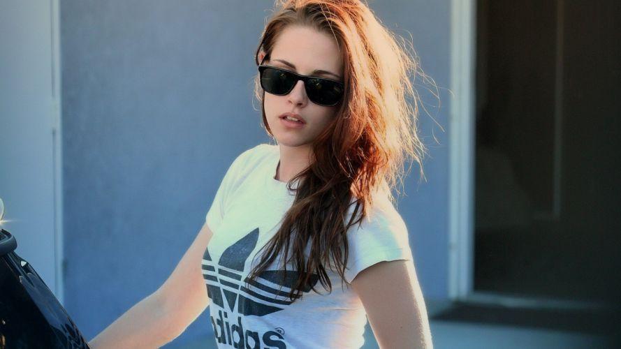Kristen Stewart ctress glasses shirt style women girls brunette wallpaper