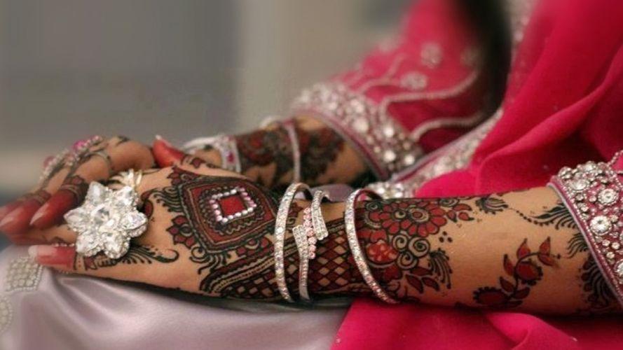 TATTOO - Dulhan Mehndi women girls brunette bracelets design wallpaper