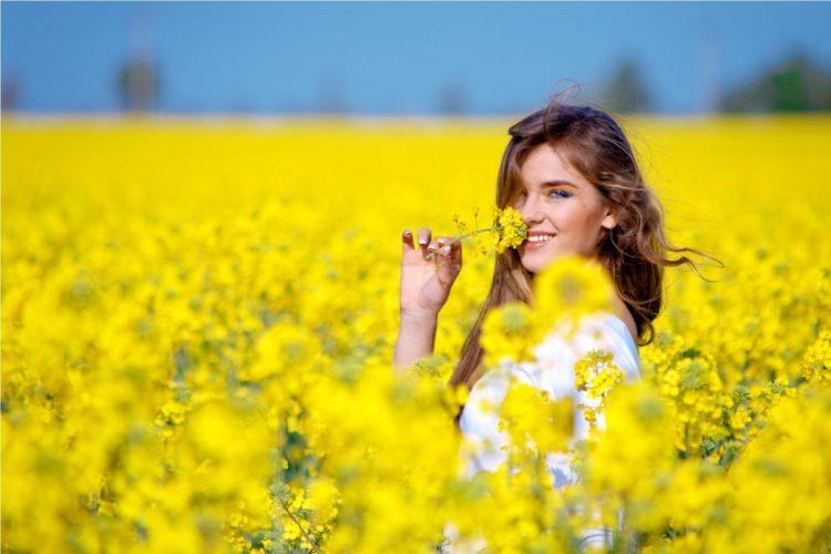women girls brunette spring beauty dreamer fashion soft flowers wallpaper