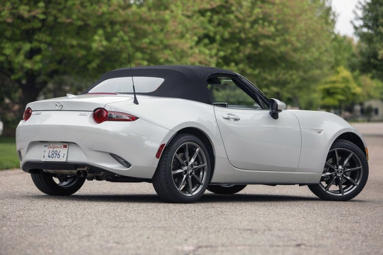 2016 Mazda MX-5 Miata cars roadster wallpaper