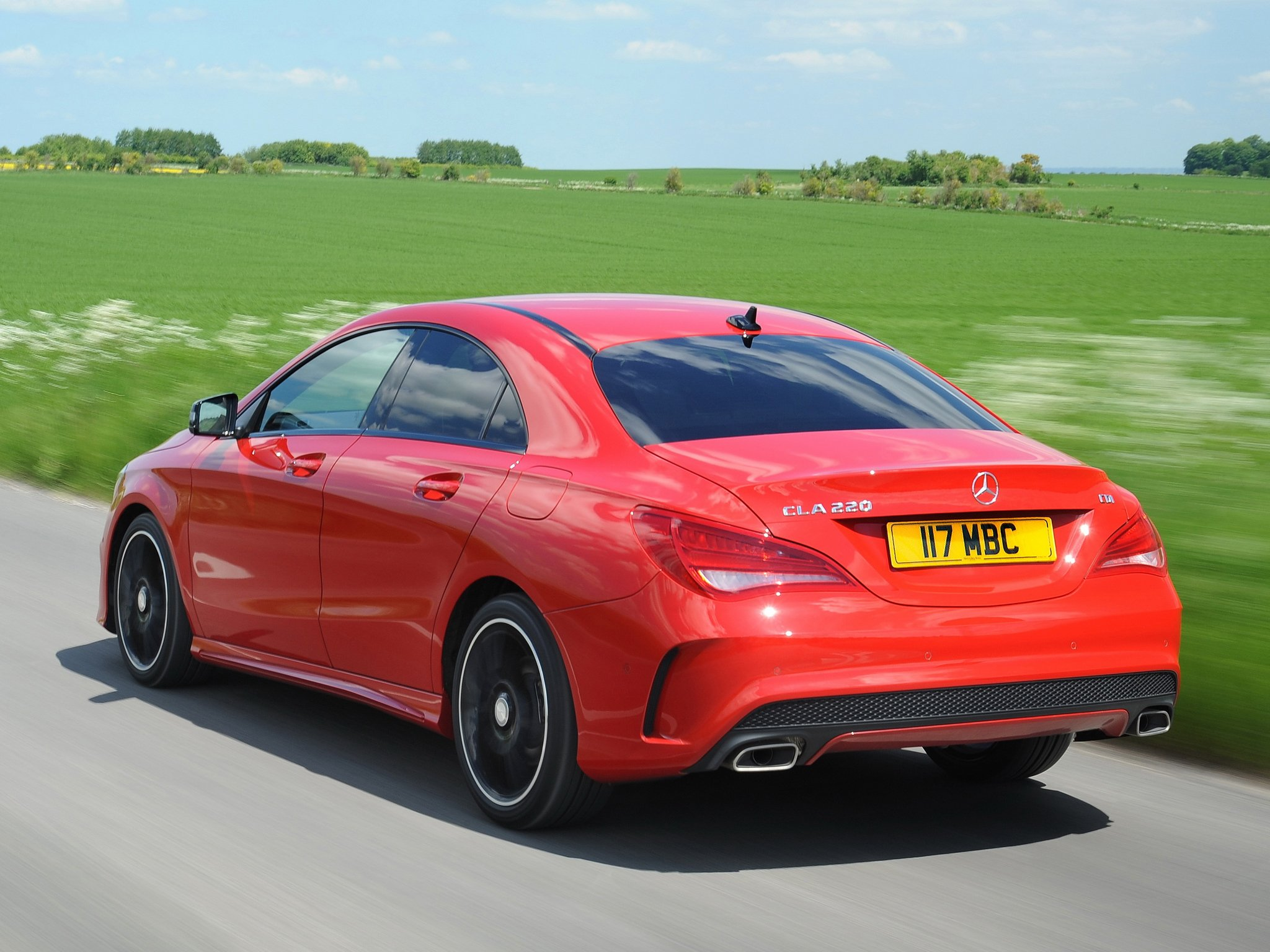 Mercedes benz cla 220 cdi amg sports package uk spec c117 for Red mercedes benz cla