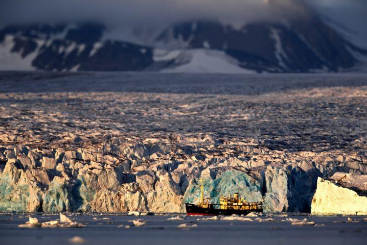 Antarctica ice boat red beautiful ship winter d wallpaper