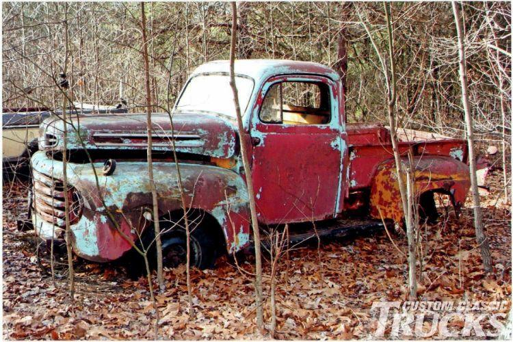 1950 Ford F-1 Pickup Junkyard Rust USA -02 wallpaper