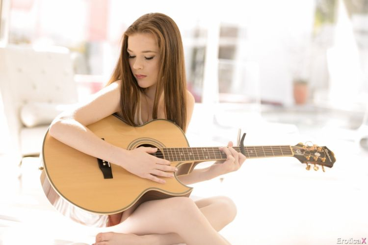 Penny Brooks Alice White adult sexy babe guitar music 1penny f wallpaper