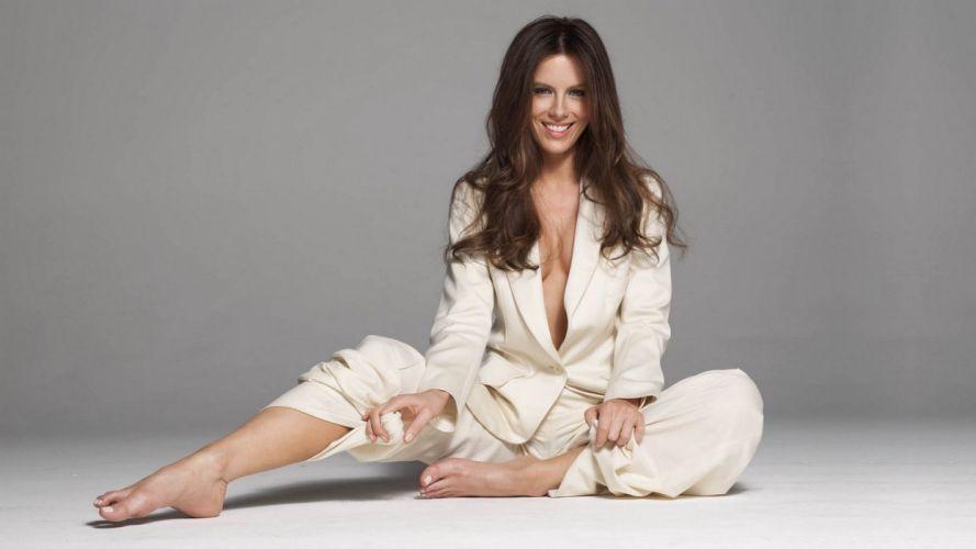 Sensuality Kate Beckinsale actress smile women girls brunette wallpaper