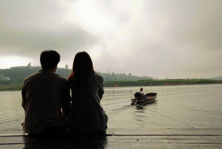 mood girl couple love lake wallpaper