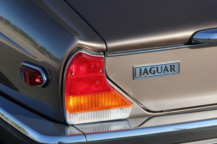 1986 Jaguar XJ12 Sedan Four Door Vanden Plas Classic Old Original UK -06 wallpaper
