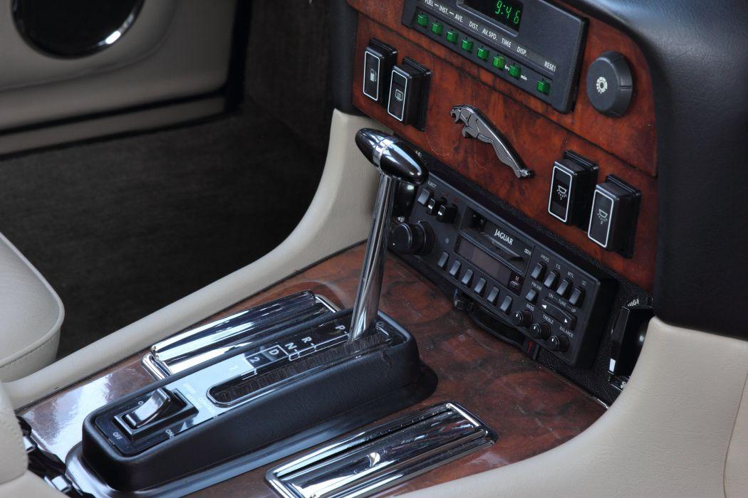 1986 Jaguar XJ12 Sedan Four Door Vanden Plas Classic Old Original UK -10 wallpaper