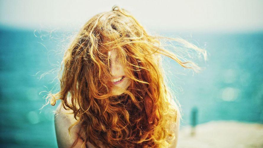 mood girl red hair laugh smile positive sea photo beautiful wallpaper