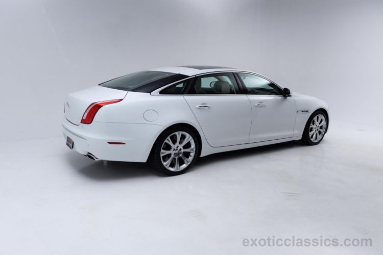 2011 Jaguar XJL Supersport Sedan cars white wallpaper