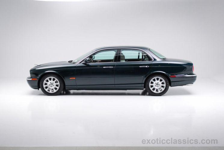 2004 Jaguar XJ8 sedan British Racing Green cars wallpaper