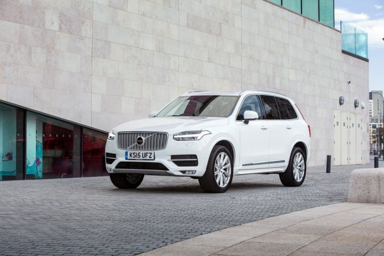 Volvo XC90 D5 Inscription UK-spec 2015 cars suv white wallpaper