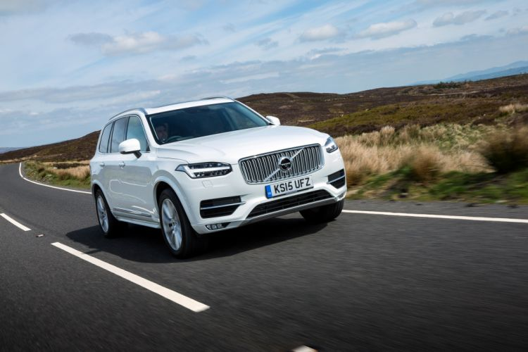 Volvo XC90 D5 Inscription UK-spec 2015 cars suv white wallpaper