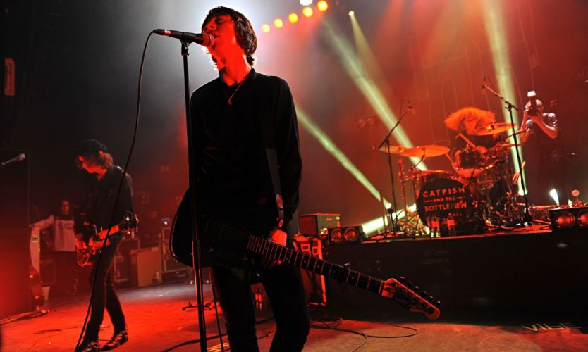 CATFISH BOTTLEMEN Indie rock pop roll concert singer wallpaper