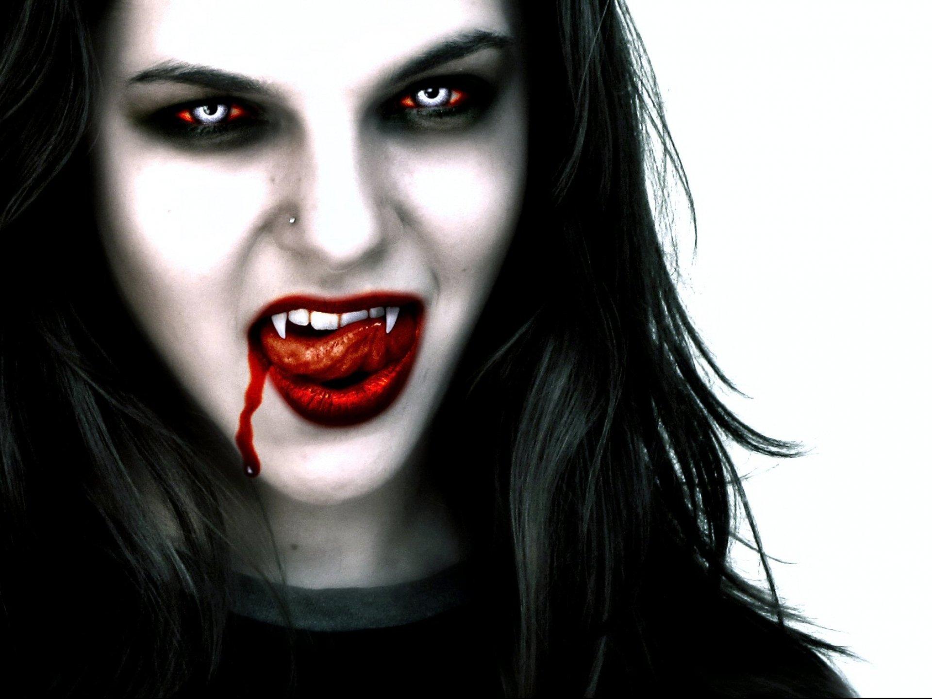 gothic vampire bloody girl - photo #3