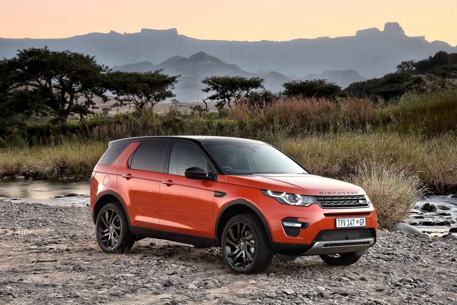 land rover discovery sport hse luxury black design pack za spec l550 cars suv 2015 wallpaper. Black Bedroom Furniture Sets. Home Design Ideas