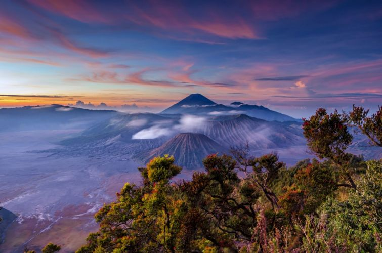 Sunrise Landscape Indonesia Stratovolcano Java Mount Bromo Volcano wallpaper