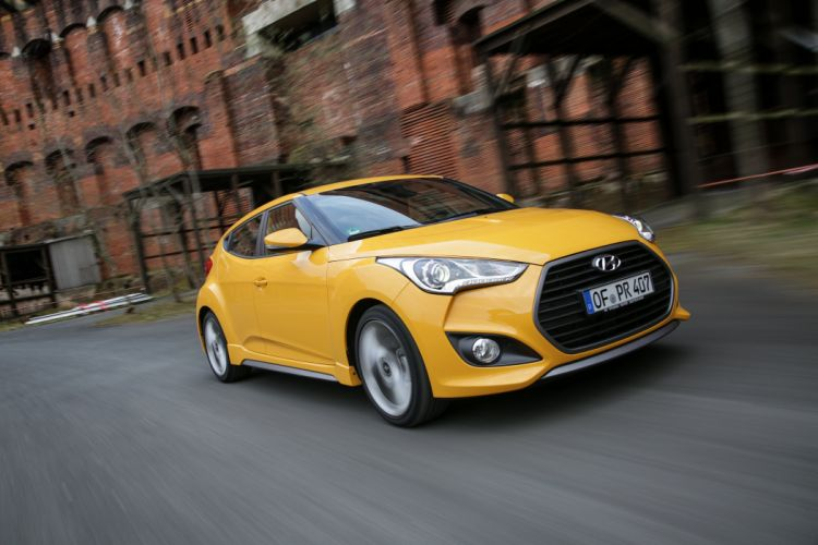 Hyundai Veloster Turbo car coupe yellow 2015 wallpaper