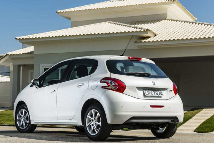 Peugeot 208 BR-spec cars french 4-doors 2013 wallpaper