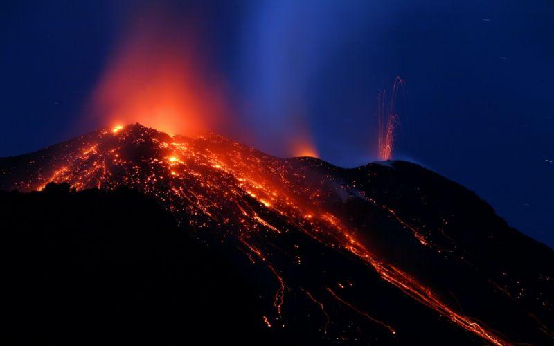 mountain volcano lava glow night wallpaper