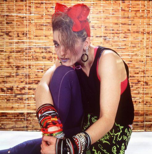 MADONNA singer actress pop dance electropop sexy babe blonde wallpaper