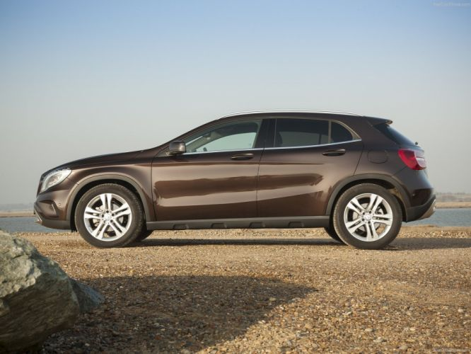 Mercedes GLA UK-Version cars suv wallpaper