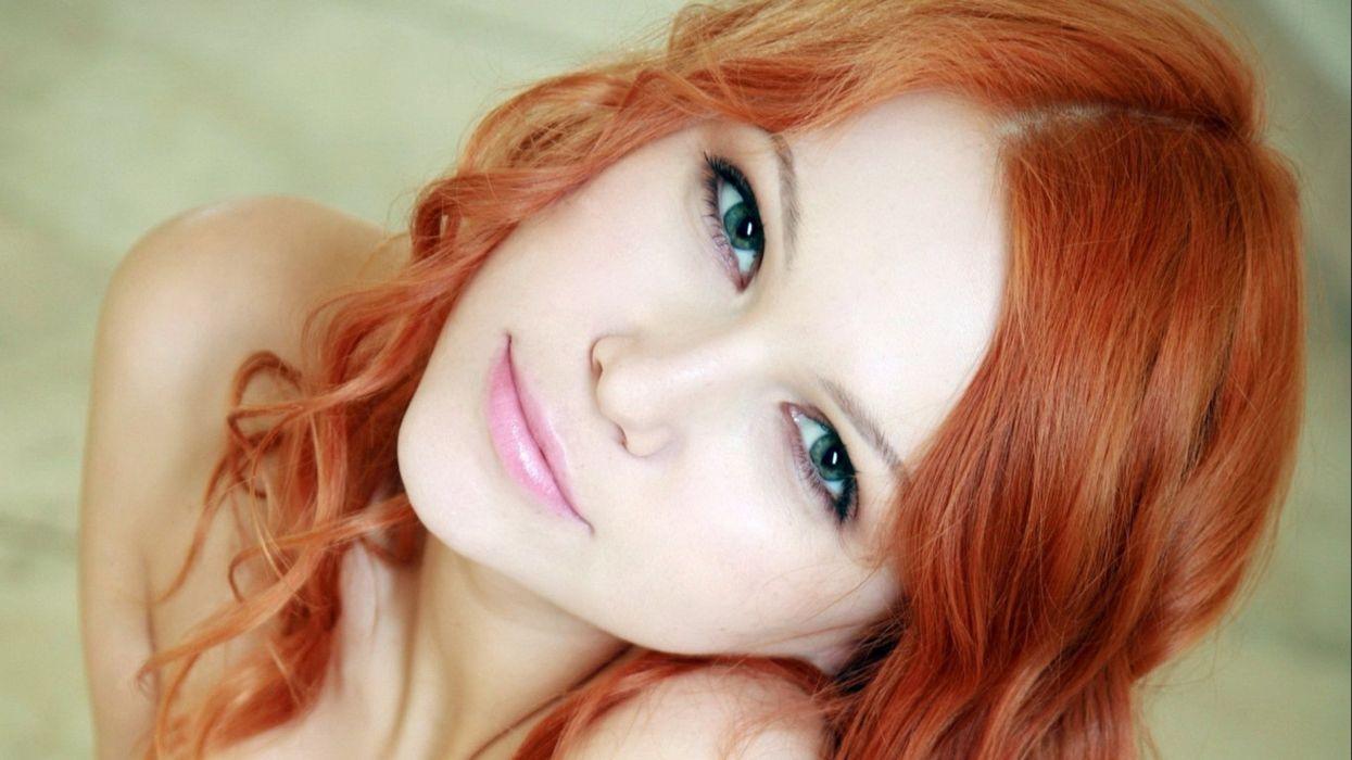 krasivie-rizhenkie-devushki-video-porno-shikarnih-zrelih-samok