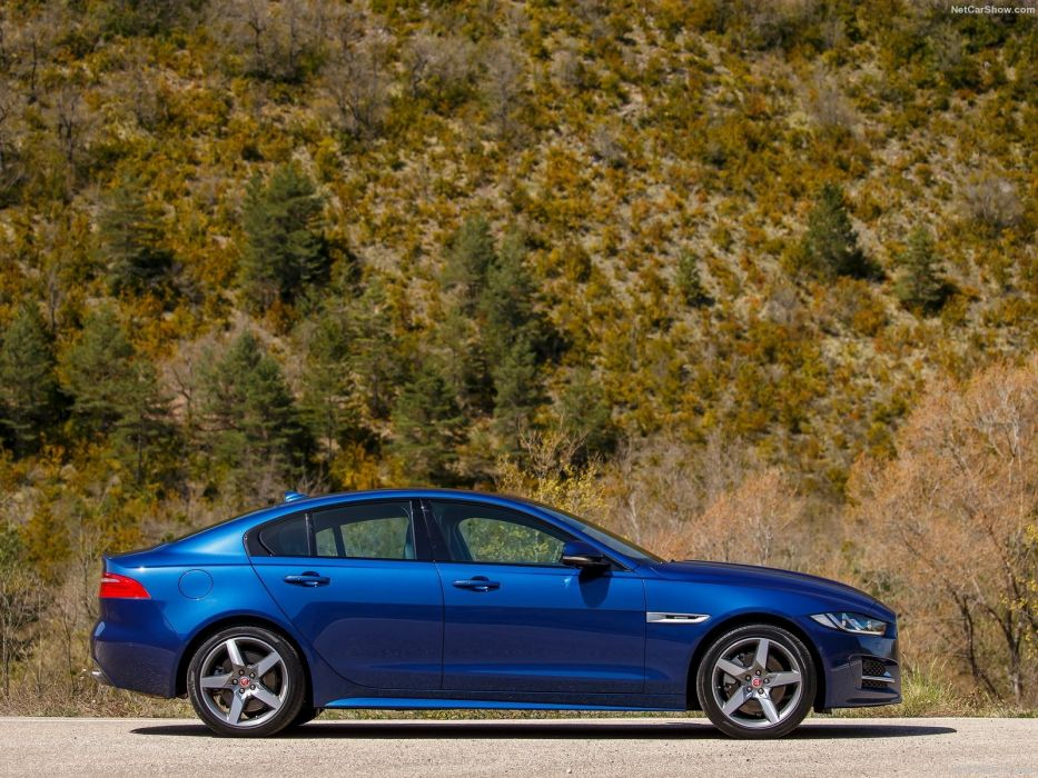 Jaguar-XE 2-litres diesel cars sedan 2016 wallpaper