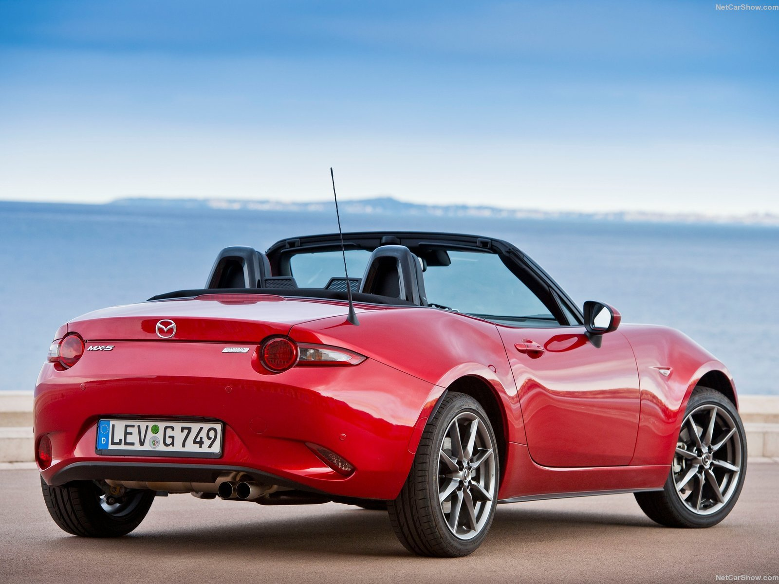 2016 cars convertible mazda miata mx 5 roadster wallpaper 1600x1200 726962 wallpaperup. Black Bedroom Furniture Sets. Home Design Ideas