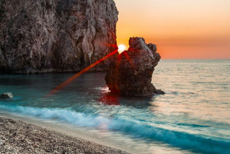 Sun Beams Rocks Block D wallpaper