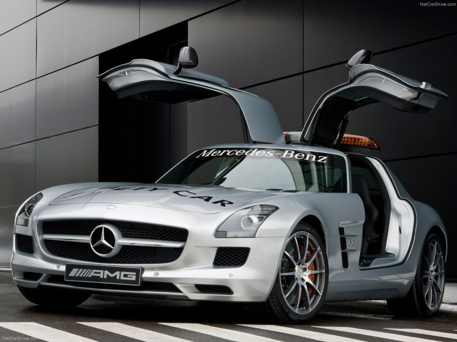Mercedes-Benz SLS AMG F1-Safety-Car 2011 wallpaper