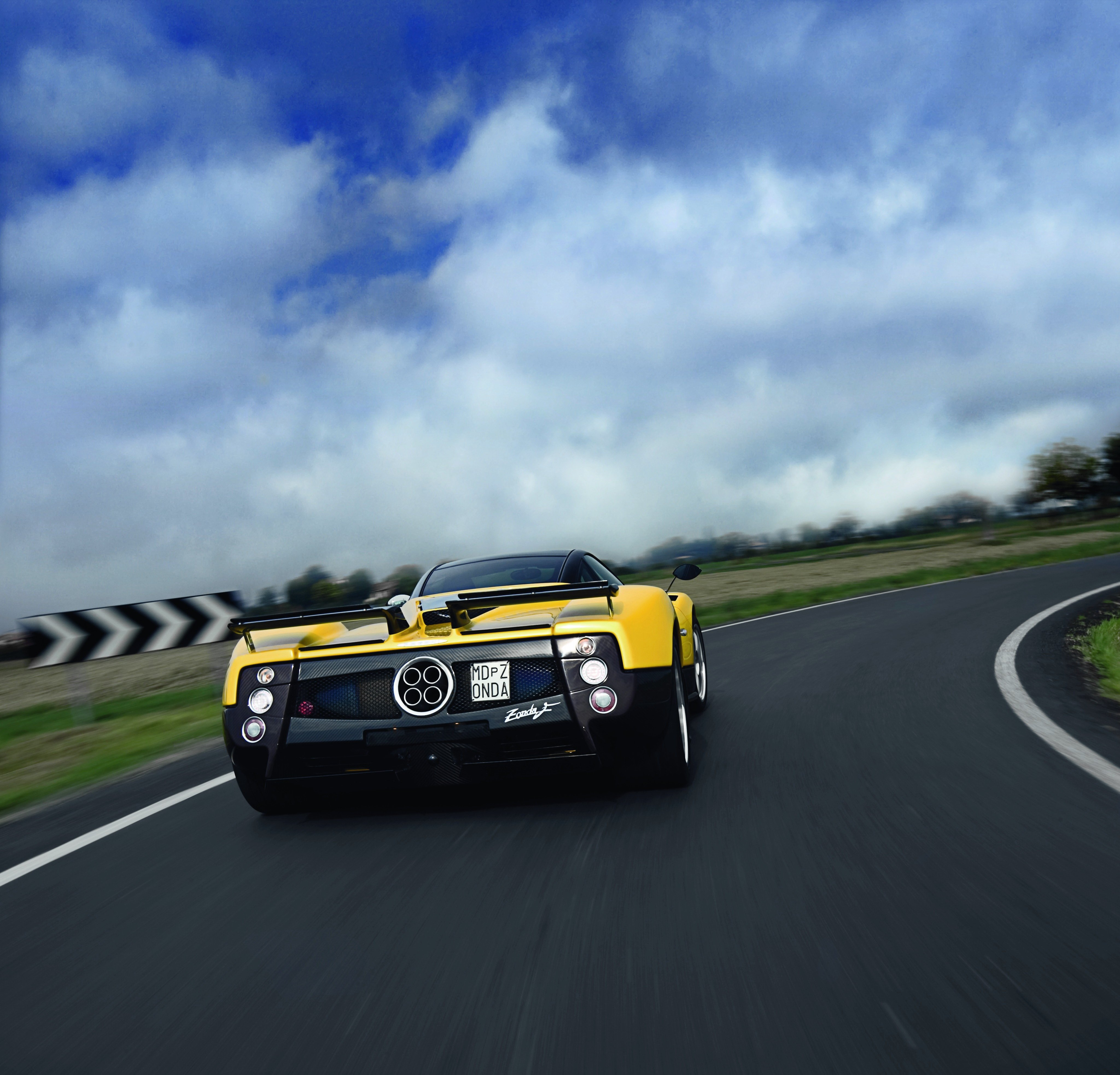 Pagani Zonda-F Cars Supercars 2005 Wallpaper