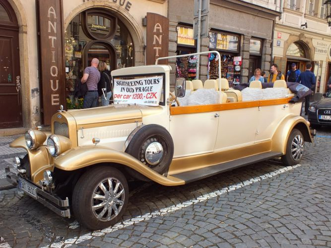 replica Prague limo limousine wallpaper