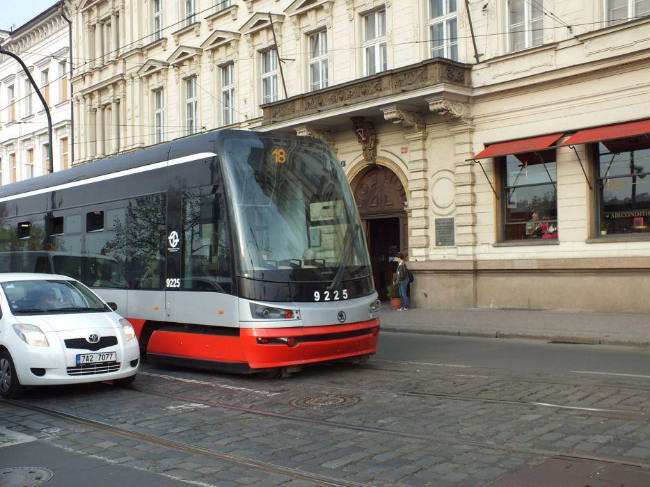 tram modern wallpaper