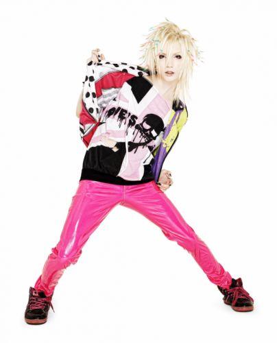 YOHIO Seremedy visual kei jrock j-rock rock pop jpop j-pop glam guitar wallpaper