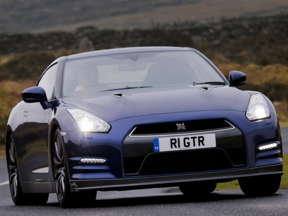 Nissan GT-R Black Edition R35 cars UK-spec coupe 2010 wallpaper