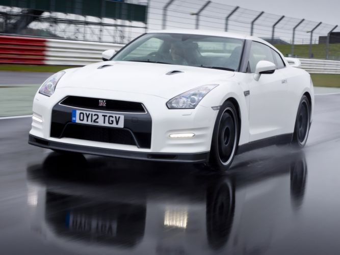 Nissan GT-R Pure Edition For Track Pack UK-spec R35 cars coupe 2012 wallpaper