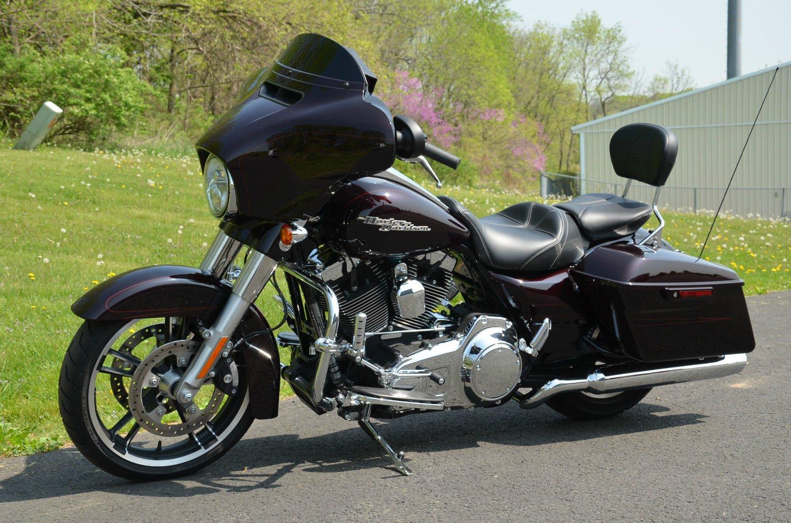 2014 Harley Davidson Street Glide Special FLHXS Motorcycle