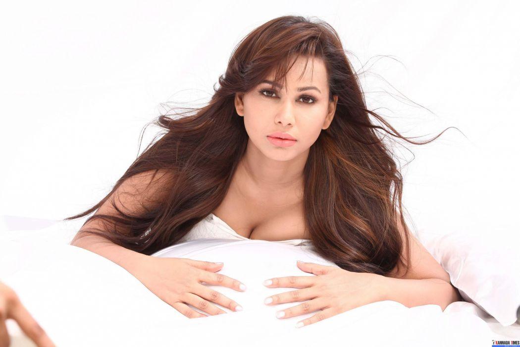 Actress-Aarohi-Singh-Photos-Set-1-50 wallpaper