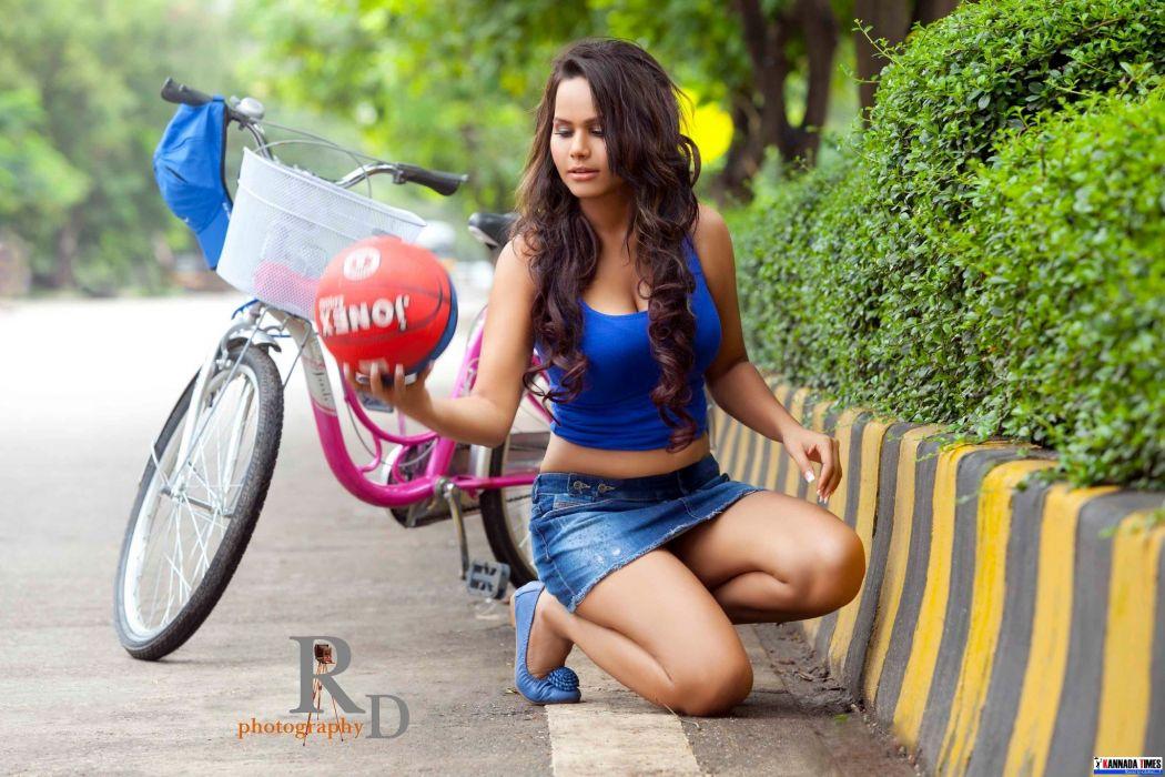 Actress-Aarohi-Singh-Photos-Set-1-22 wallpaper