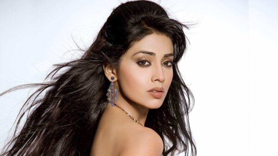 shriya2 wallpaper