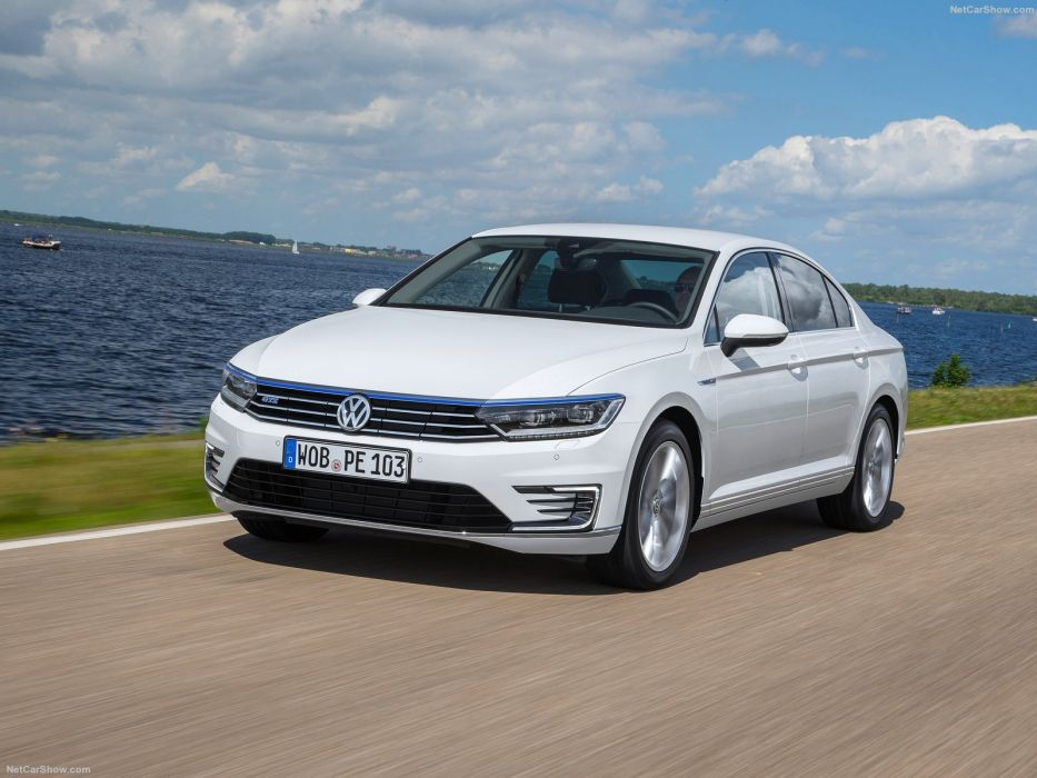 Volkswagen Passat GTE 2015 sedan cars electric wallpaper